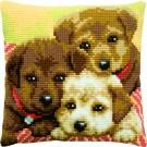 kruissteekkussen drie puppies