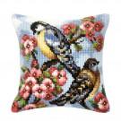 kruissteekkussen vogels met bloemen